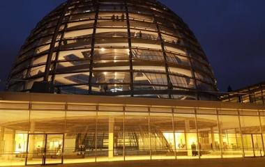 Reichstagskuppel-Nacht_Vieregge-MdB