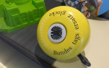 Bundestagsklingel-Fahrrad_Vieregge-MdB