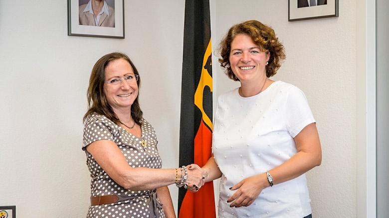 Kerstin Vieregge mit Präsidentin Ulrike Hauröder-Strüning