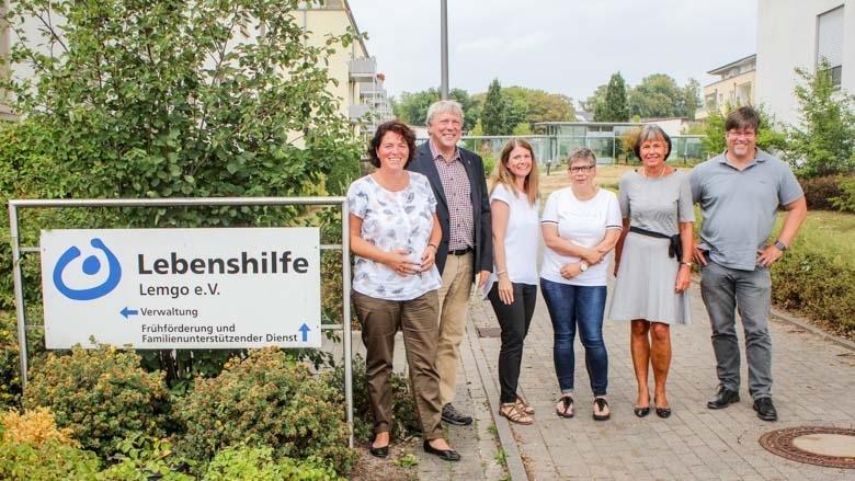 Bei der Lebenshilfe Lemgo: Kerstin Vieregge, Uwe Schummer, Chantal Michalik, Claudia Klemp, Irene Priebe-Wiethaup und Olaf Heilig