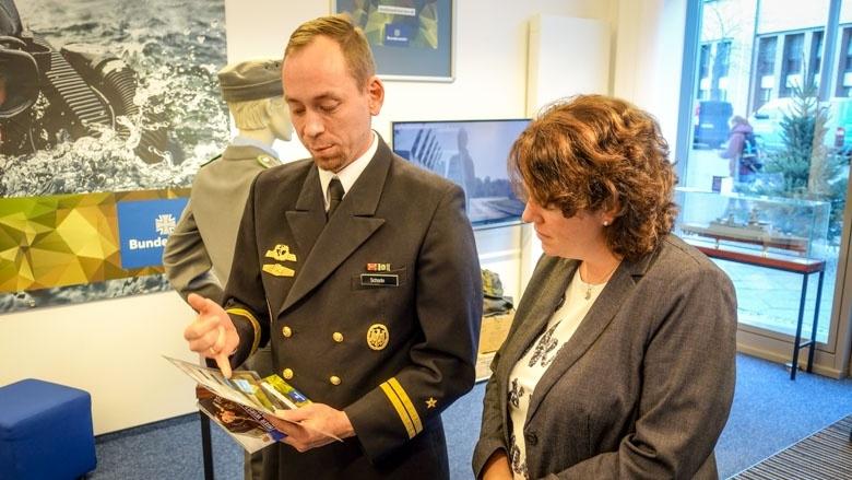 Zu Besuch im Showroom der Bundeswehr