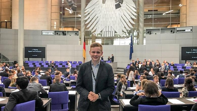 jugend-parlament-vieregge-plenum-reichstag-wiemann