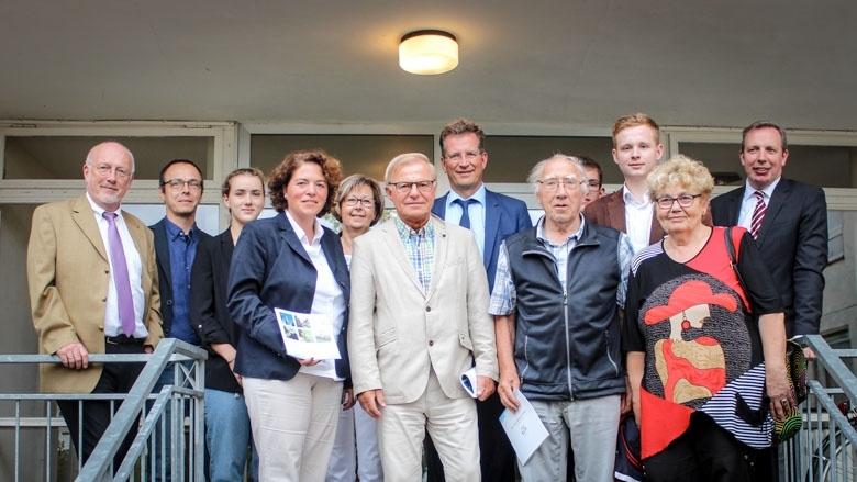 Die Teilnehmer der CDA-Sommertour mit den Gastgebern des Klinikum Lemgo