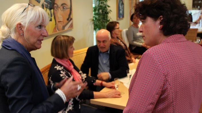 Kerstin Vieregge im Gespräch bei ihrer Ehrenamtsveranstaltung