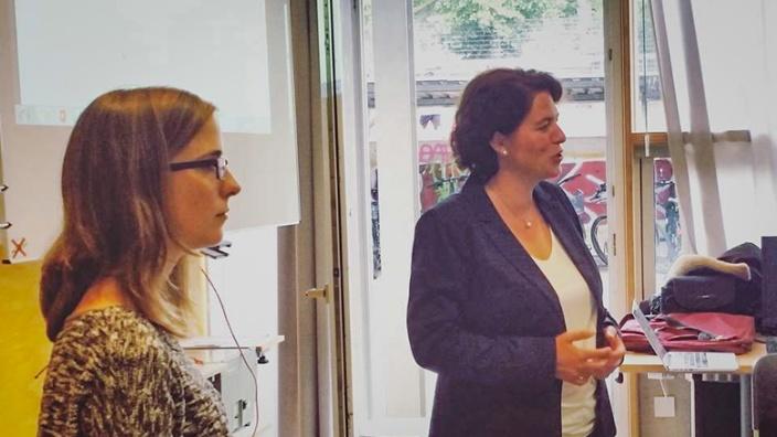 Kerstin Vieregge MdB als Schirmherrin bei erlebe IT von Bitkom beim Engelbert-Kaempfer-Gymnasiums in Lemgo